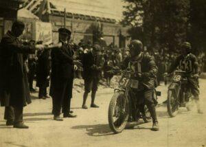 1927_zsoter_Nr51_Foto_munkacsi0