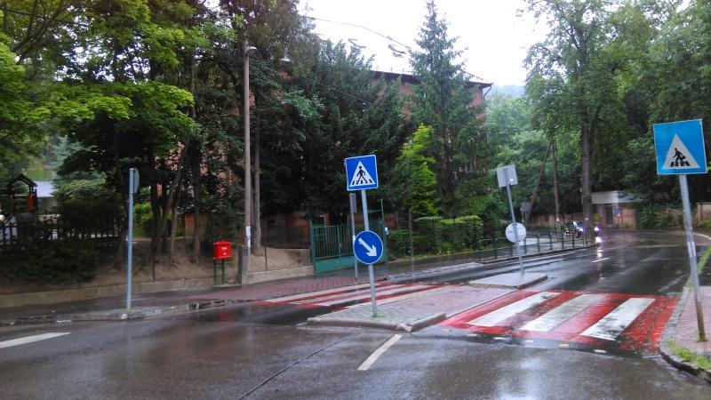 Az iskola épülete nem változott, az út nyomvonala is stimmel